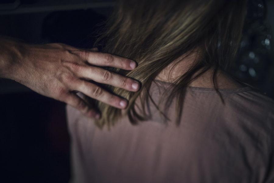 I en studie bland gymnasieungdomar svarar svarar 36,1 av flickorna och 12 procent av pojkarna att de någon gång i livet utsatts för ett sexuellt övergrepp.