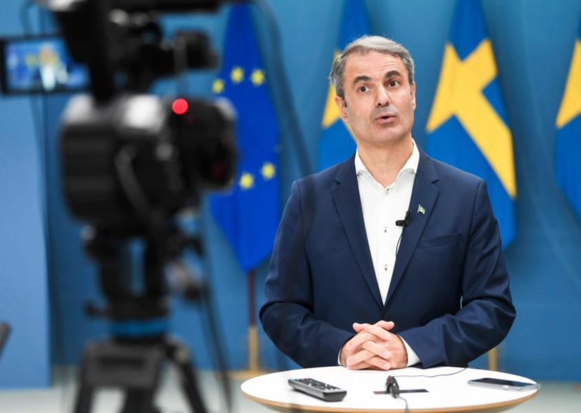 Näringsminister Ibrahim Baylan (S) presenterar nya satsningar inom landsbygdsprogrammet under en pressträff i Rosenbad.