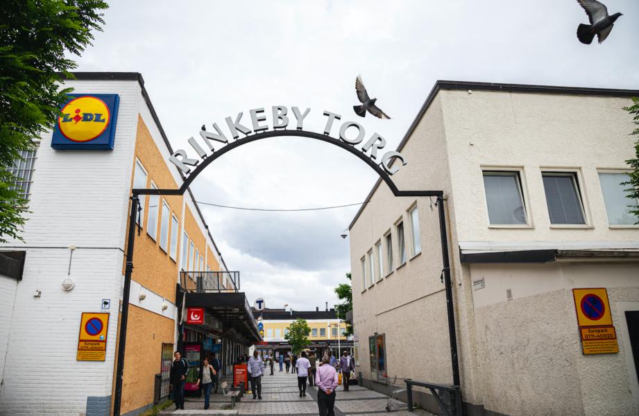 Torget i Rinkeby förkommer flitigt i diskussionen om relationen mellan ursprung och brottslighet.