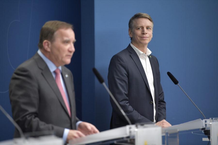 Stefan Löfven (S) och Per Bolund vid en pressträff i Rosenbad.