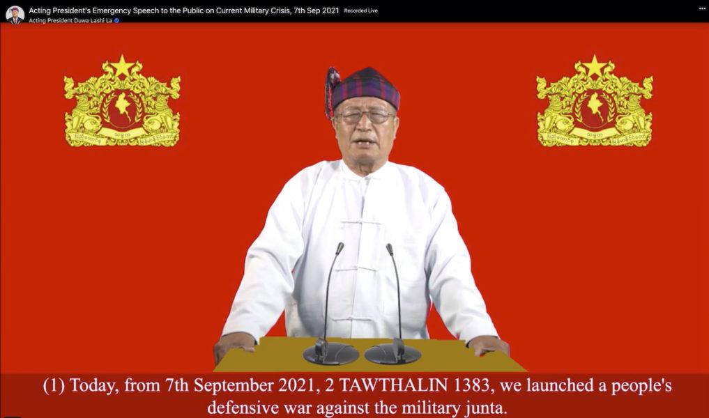 Den oppositionella skuggregeringens president Duwa Lashi La under ett tal på tisdagen.