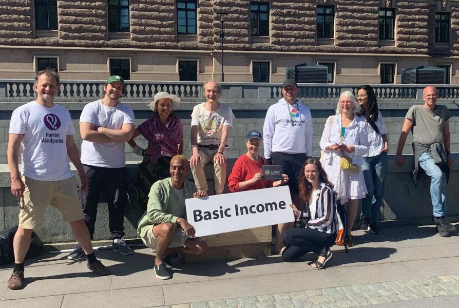Undet basinkomstveckan genomförs bland annat två manifestationer för basinkomst, en i Stockholm och en i Malmö.