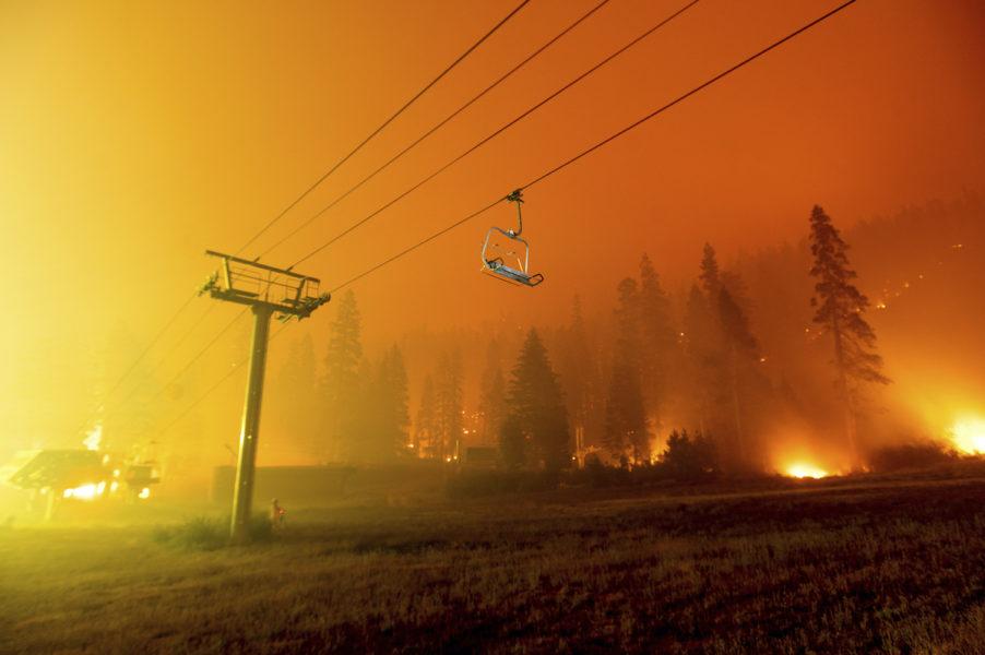 Rasande bränder härjar i USA.