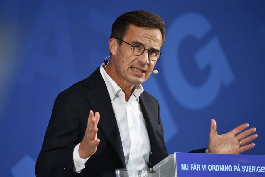 Moderaternas partiledare Ulf Kristersson talar i Strängnäs.