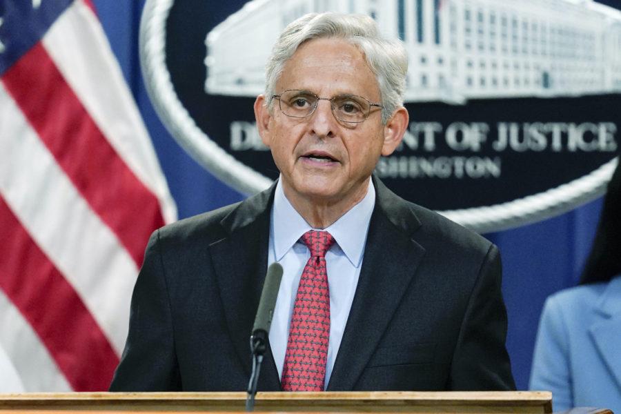 USA:s justitieminister Merrick Garland tillkännagav stämningen mot Texaslagen.