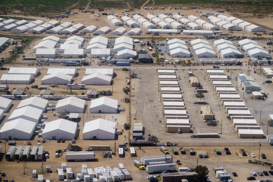 En militärbas i Fort Bliss i New Mexico har gjorts om till ett flyktingläger för människor från Afghanistan.