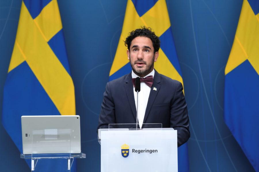 Socialförsäkringsminister Ardalan Shekarabi (S) presenterade under torsdagen regeringens förslag om satsningar på äldre i årets höstbudget.