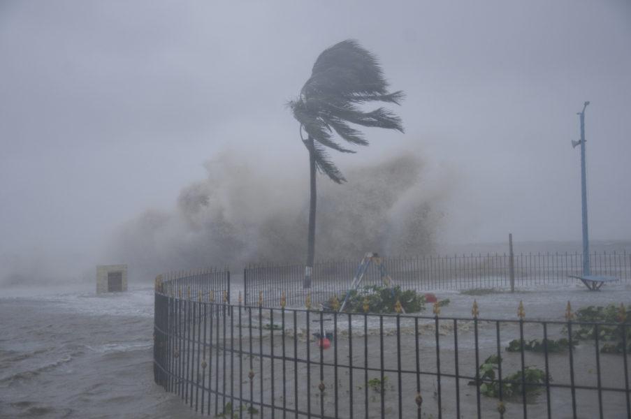 I maj drabbades östra Indien av en cyklon.