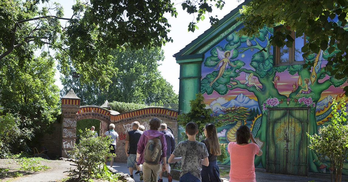 Fællesmødet är det högsta beslutande organet i Christiania, och alla invånare är välkomna att delta på mötena.
