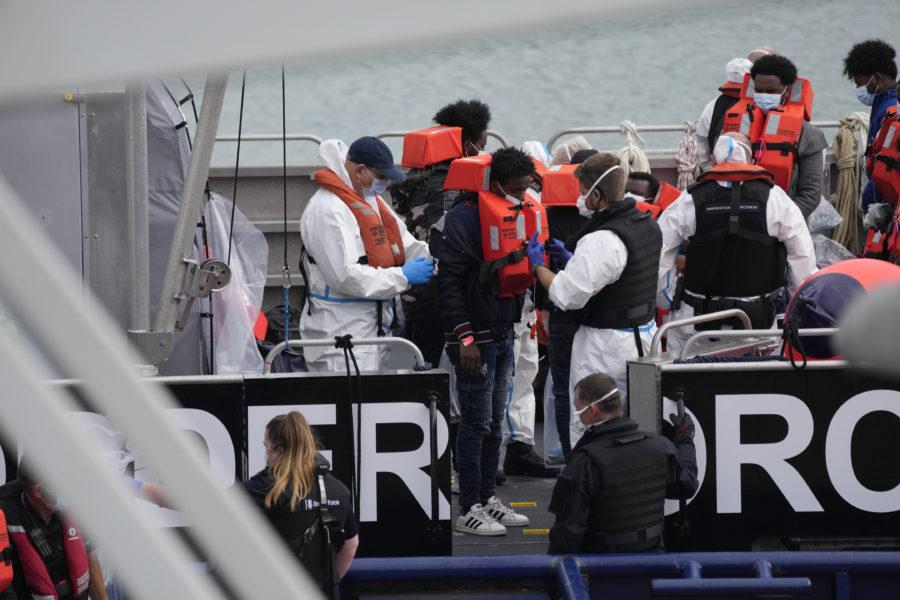 I slutet av september i år hade drygt 17 000 flyktingar anlänt till Storbritannien via Engelska kanalen.