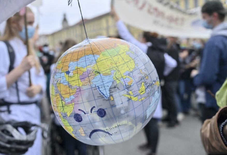 Klimatförändringens effekter kan bli kännbara i stora delar av världen, enligt en ny studie.